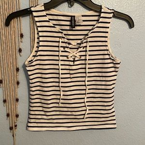 H&M divide navy blue and white striped tank top
